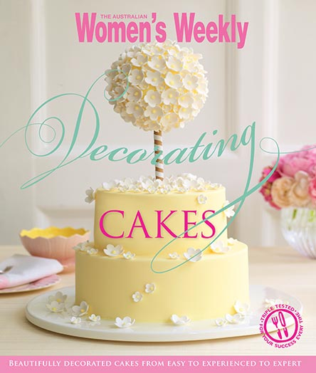 The Australian Women's Weekly Decorating Cakes